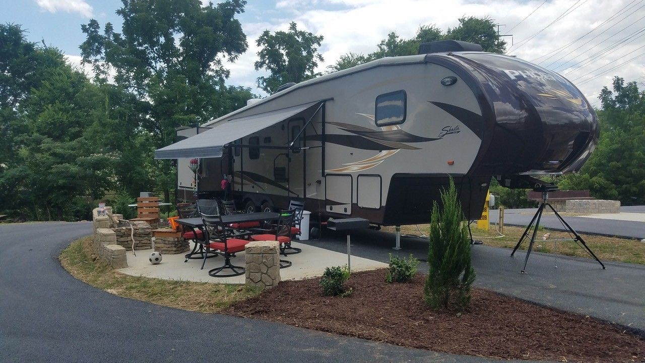 New Rv Patio Site At The Pigeon Forge Gatlinburg Koa Holiday Pigeon Forge Campgrounds Gatlinburg Camping Locations