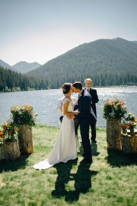 Getting Married On A Lake S Is Very It Perfect Location For Spring Summer And Fall Weddings Ss Are Full Of That Romance