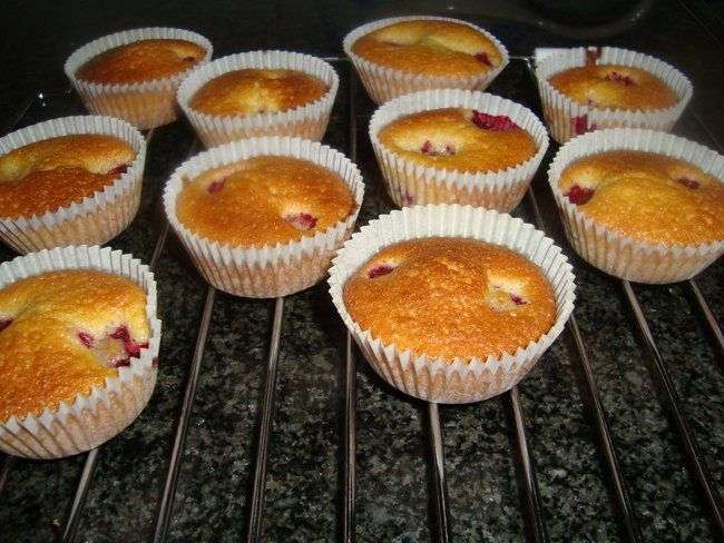 Yoghurtcakejes met frambozen   Recepten -