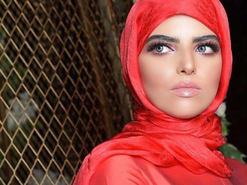 في عيد الحب سارة الودعاني تكشف عن زوجها وتهنئه برسالة رومانسية Fashion Hijab