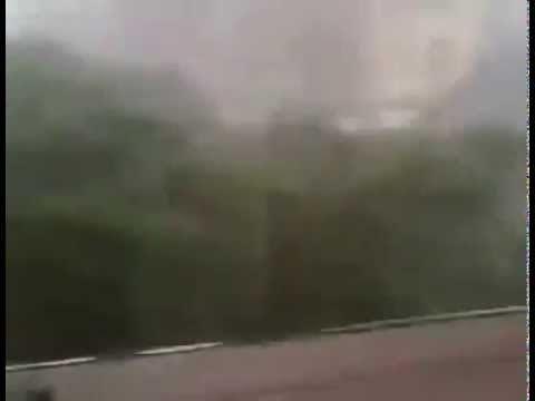 بالفيديو  العاصفة القوية التي ضربت مدينة مراكش