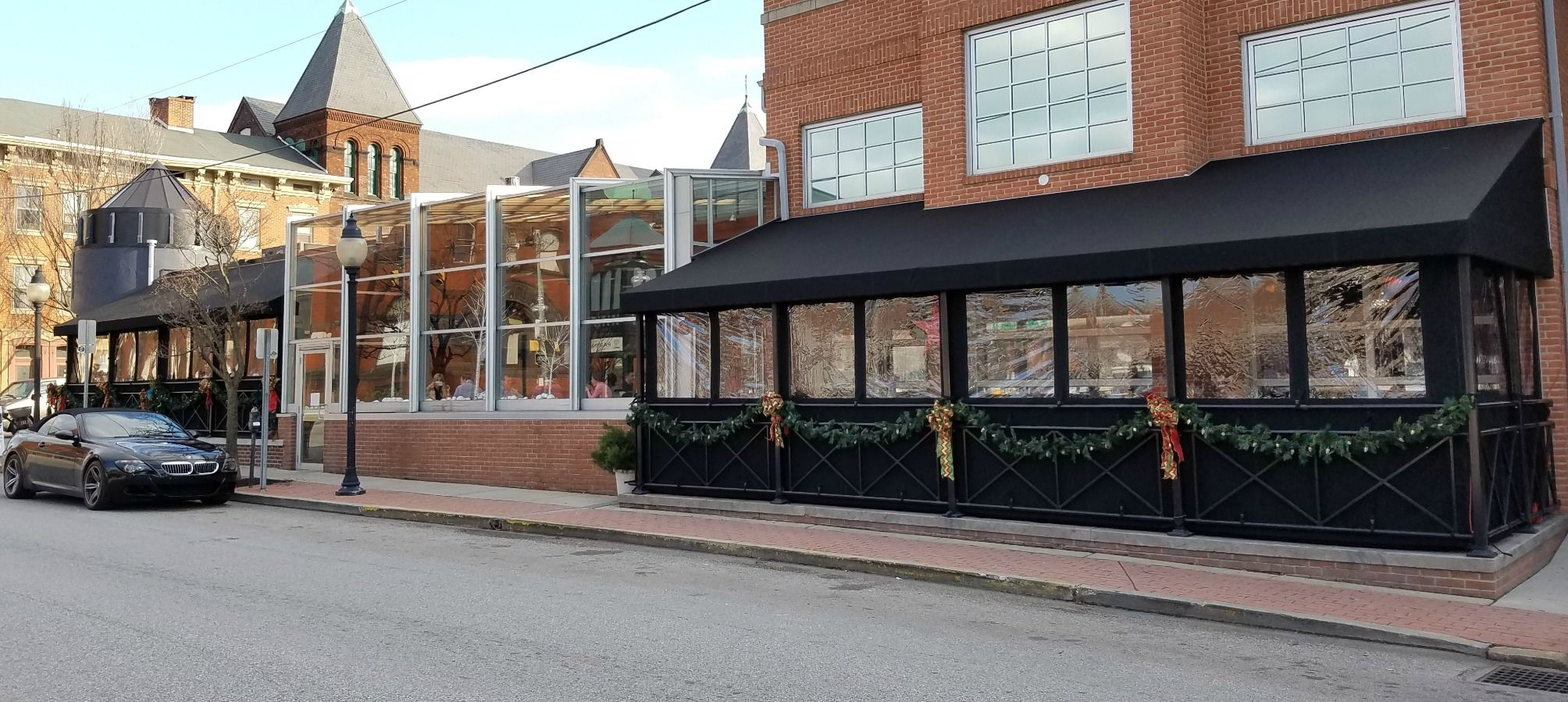 White Rose Bar And Grill York Pa Dining Canopies With Clear Vinyl Enclosure Kreider S Canvas Service Inc Rose Bar Bar Design Restaurant Restaurant Patio