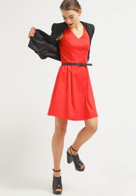 Kleid rot 49