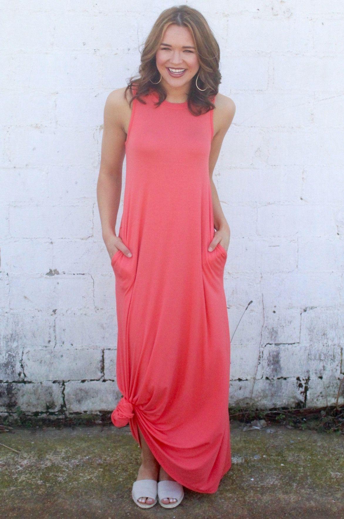 Sleeveless Coral Maxi Dress | Coral maxi dresses, Elegant