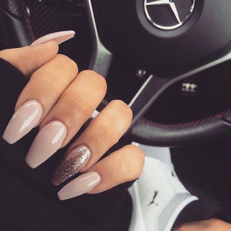 Nude & glitter nails