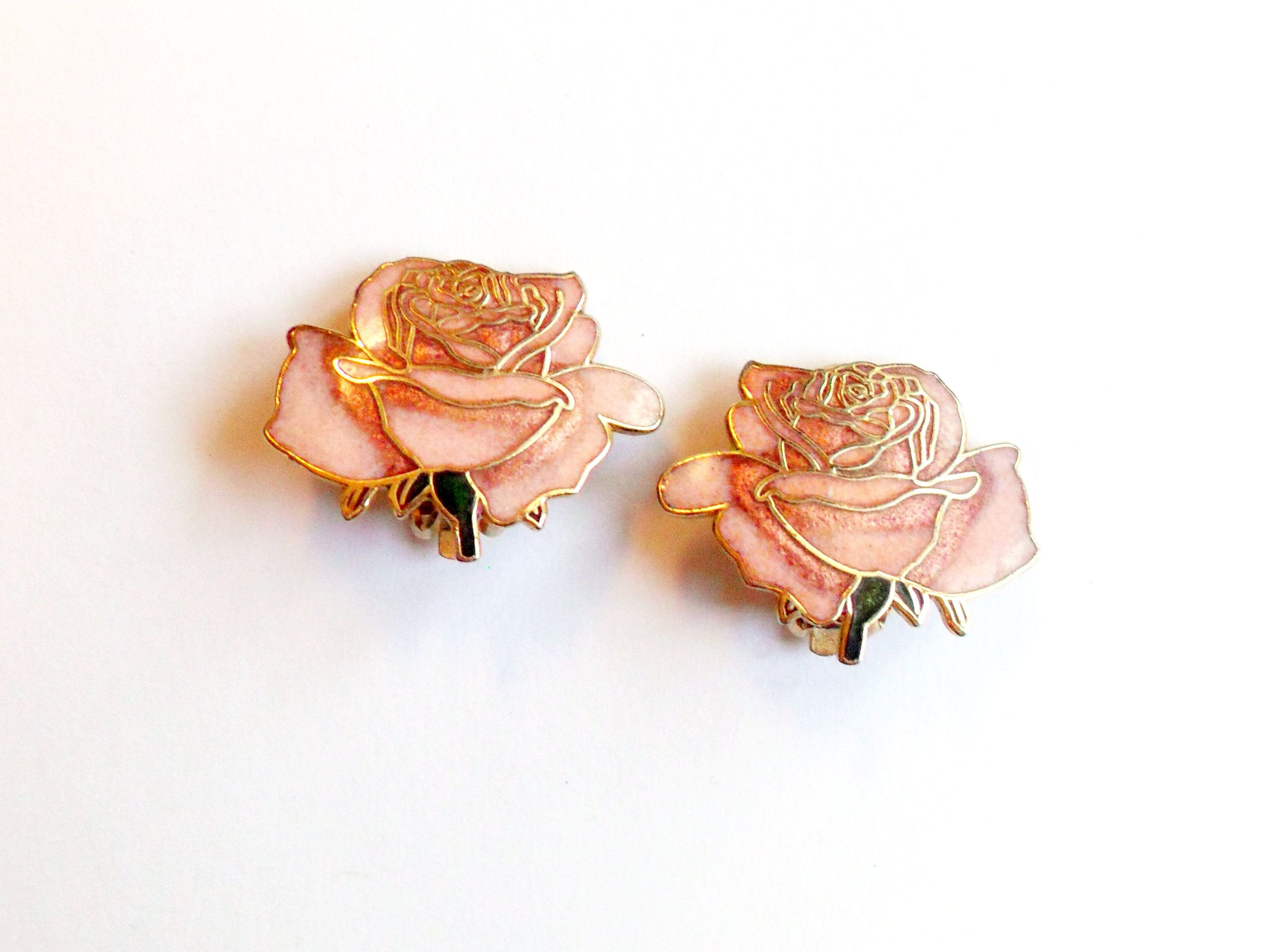 Pink Cloisonne Rose Earrings Vintage Clip On Romantic Enamel Flower Design Gold Tone Metal In 2020 Vintage Earrings Rose Earrings Enamel Flower
