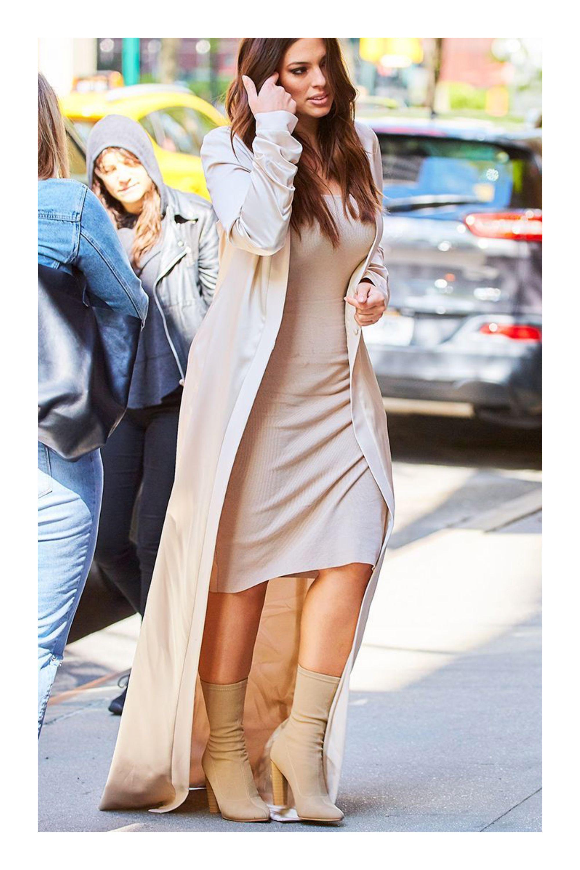 5cf39f81a4 Las mejores ideas para combinar tu vestido favorito con botas  TiZKKAmoda   vestido  beige  botas  monocolor  monocromático  look