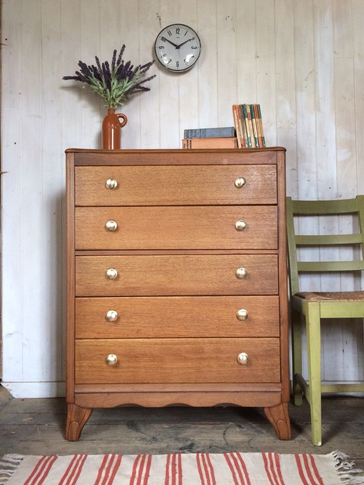 classic fit bdb07 19c52 This is a lovely oak 5 drawer Harris Lebus chest of drawers ...