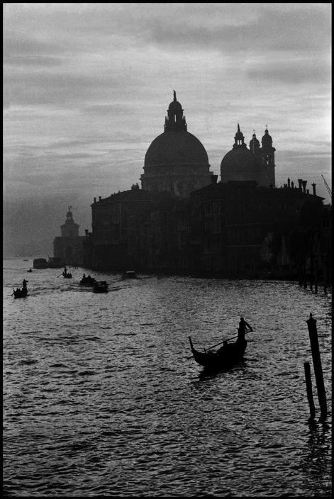 Inge Morath. Venice. Grand Canal and the church of Santa Maria del Salute. 1955. | Inge morath, Magnum photos, Photo
