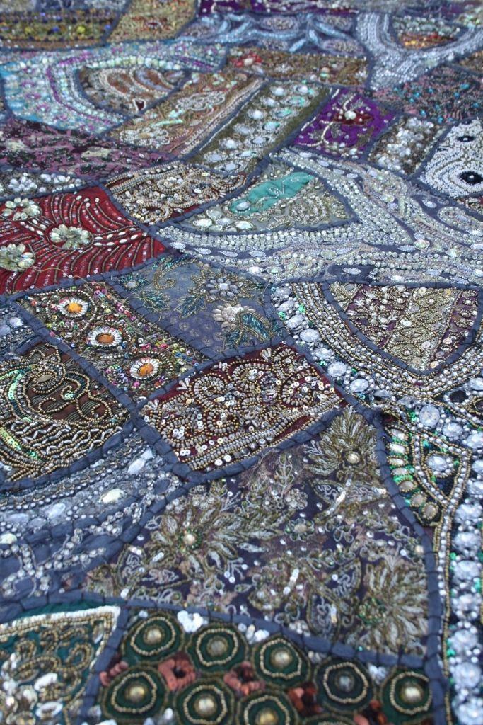 Vintage Hochzeits Sari Patchwork Wandbehang Indien Tischdecke Wandteppich Orient schwer | eBay