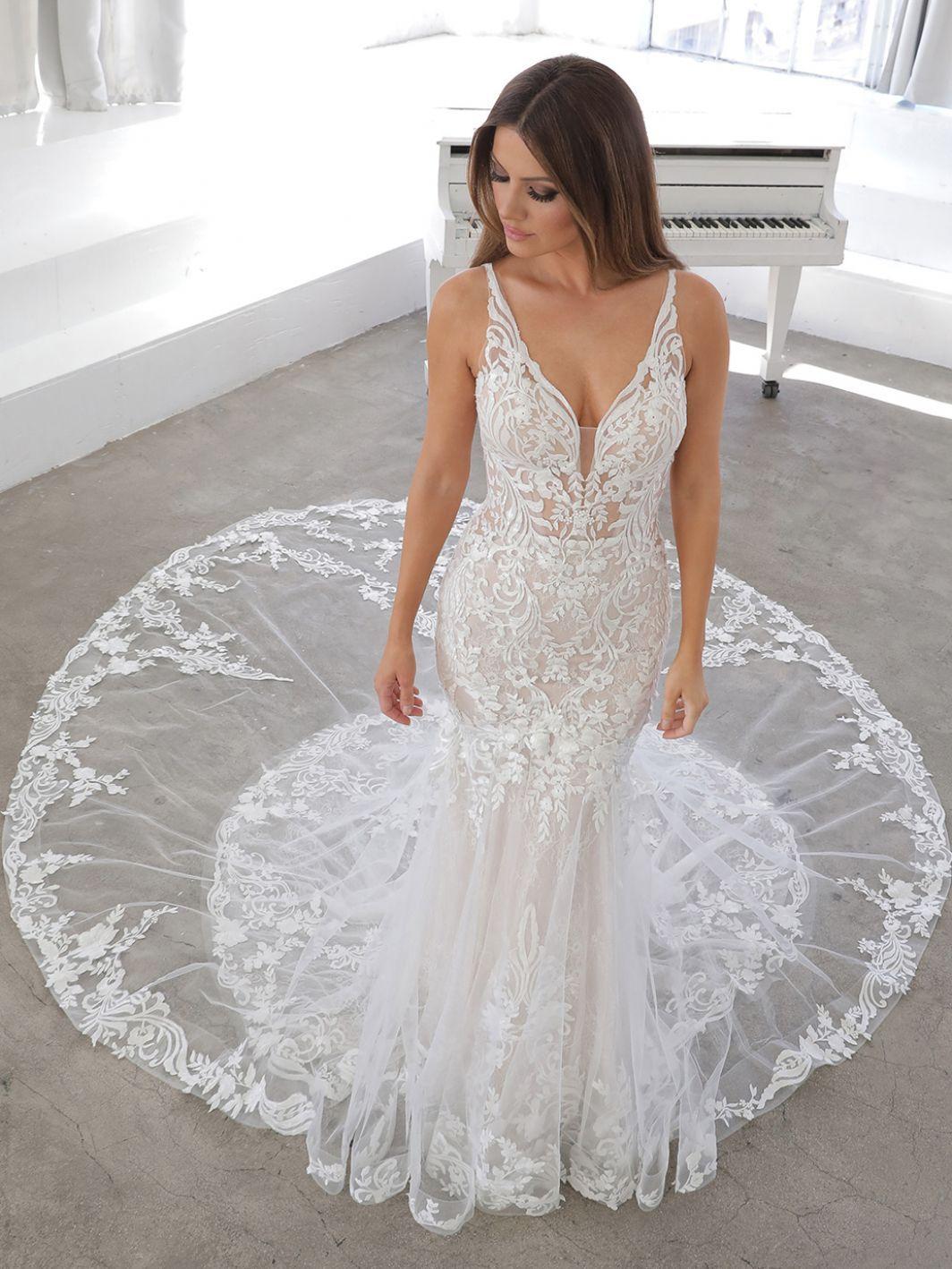 Nasima 2021 Blue By Enzoani Enzoani Enzoani Wedding Dresses Wedding Dresses Wedding Dresses Mermaid Sweetheart [ 1418 x 1064 Pixel ]