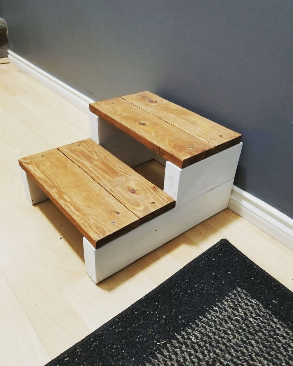 Diy Used Wooden Pallet Step Stools Ideas Wooden Pallet Projects Wooden Step Stool Pallet Furniture