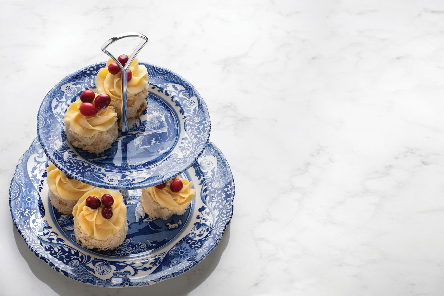An afternoon tea isn't afternoon tea without this cake stand! #BlueItalian #Spode