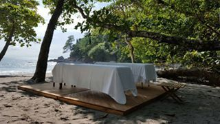There's always time to relax!  @cayugacollection #arenasdelmarcr #manuelantonio #costarica #relax #beach #beachlife #wellness #massage #treatment #nature #wildlife #experience #health