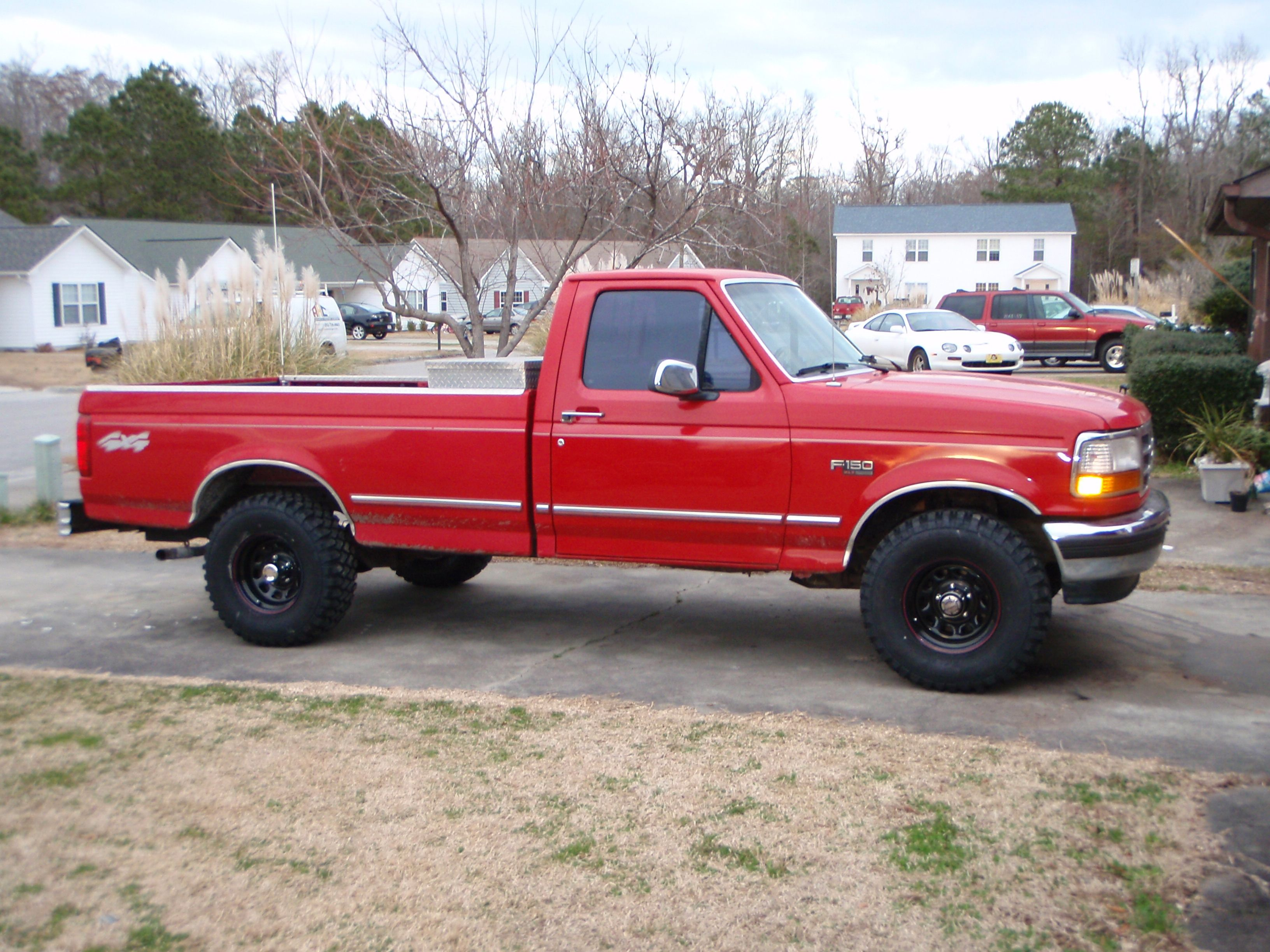 After Realizing The Rx 7 Sucked I Bought This 1996 Ford F150 It Was A 302 V8 5 Speed 4x4 And It Had The Dual Gas Tan Ford Trucks 1996 Ford F150 Ford F150
