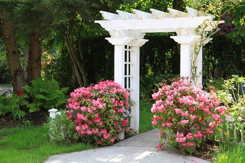 Delicieux White Garden Arbor As Entryway. Good Tips On This Website Too!