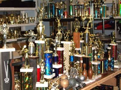 this organization recycles trophies