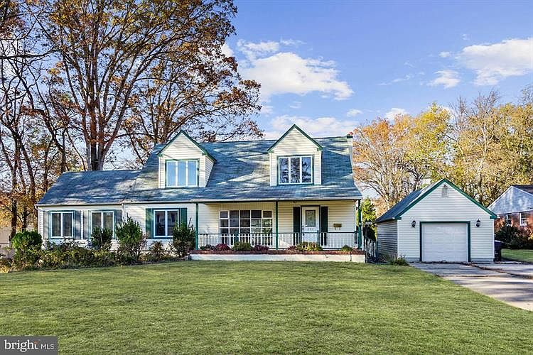 Zillow Has 28 Homes For Sale In New Jersey Matching View Listing Photos Review Sales History And Use Our Detailed Real E In Ground Pools Zillow House Styles