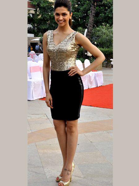 Deepika Padukone Weight Height Bra Size Body Measurements Sleeveless Formal Dress Deepika Padukone Fashion