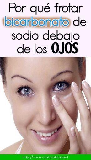 Por qué frotar bicarbonato de sodio debajo de los ojos