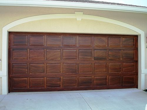 Wood graining garage doors garage doors wood grain and doors painting faux wood grain on the garage door great idea wonder if i could solutioingenieria Images