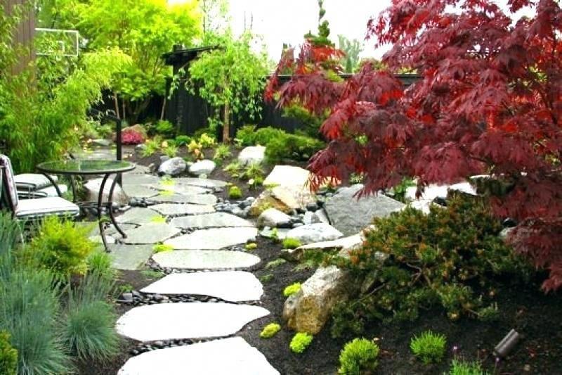 Japanese Garden Design Use Of Stones And Boulders With Images Japanese Garden Design Sloped Garden Small Garden Design