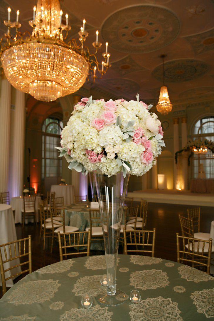 Tall Centerpieces Laura Stone Photo Https Www Theknot Com Marketplace Laura Stone Photo Atlanta Ga 335217 Tall Centerpieces Centerpieces Romantic Wedding