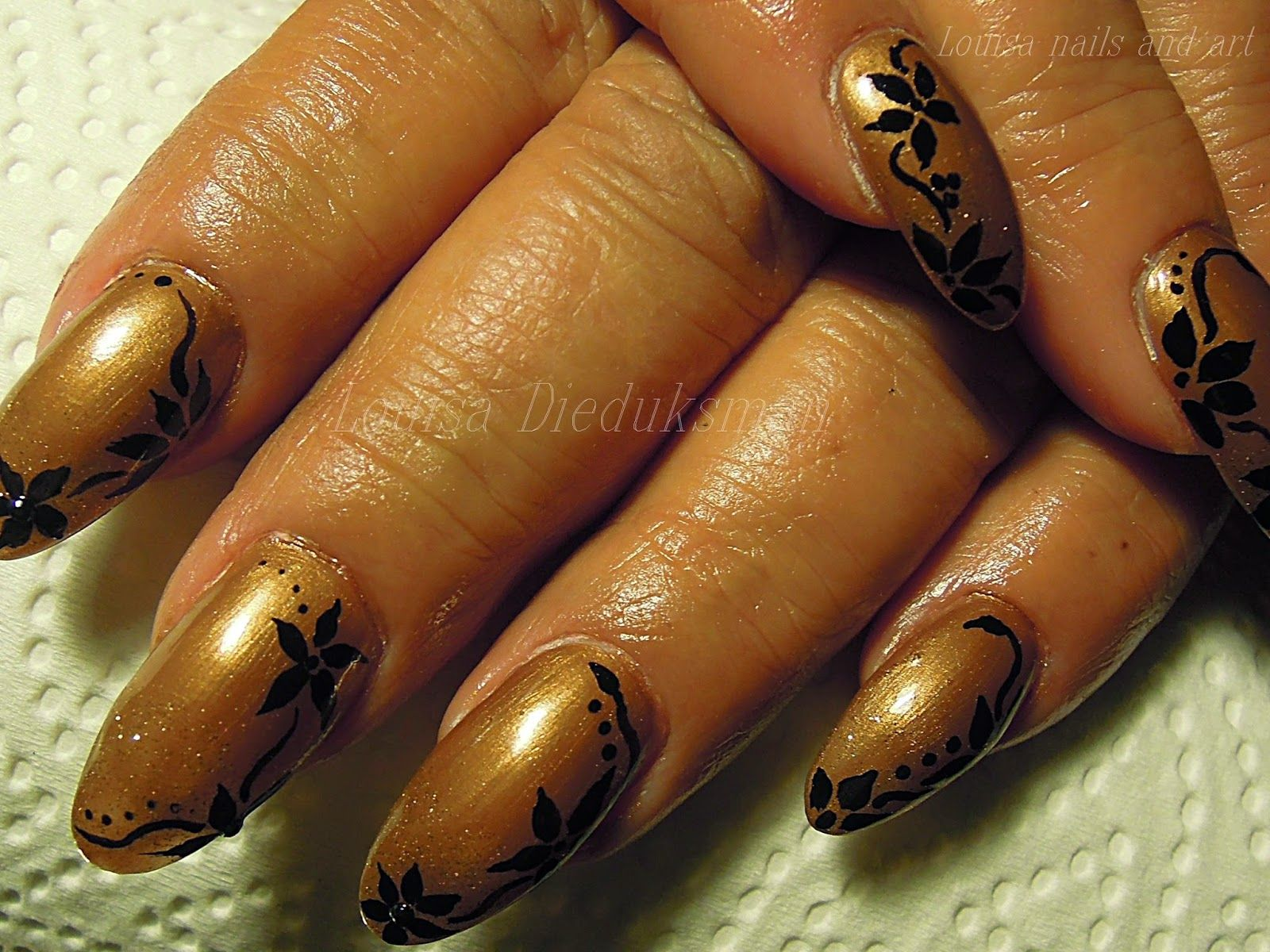 Louisa Nails And Art Gold Nails And Black Flowers Flower Nails