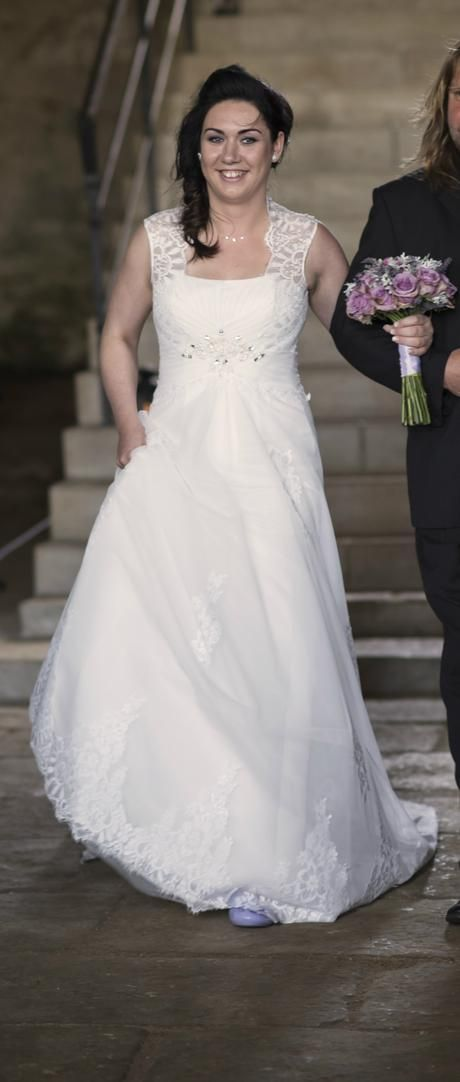 Znackove Svatebni Saty Gloria De Luxe 40 42 42 Gowns