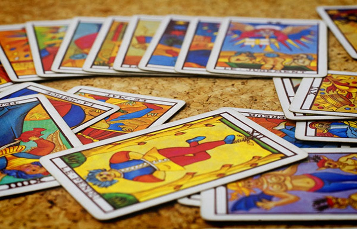 how many tarot cards are in a reading