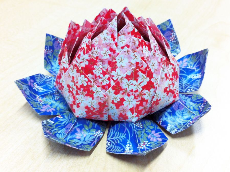 Wanna make an Origami Lotus flower? Here's a video! http://bit.ly/AaMxVE