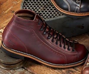 45e7e7895e Weinbrenner Shoe Company / Thorogood Shoes 1892 Wisconsin Burgundy  Portage!!!! 👍🏻👍🏻👍🏻 | Shoes and boots in 2019 | Shoes, Mens shoes boots,  Shoe boots