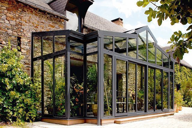 Véranda sur mesure, aluminium, bois : quel modèle choisir | Veranda bioclimatique, Jardin d ...
