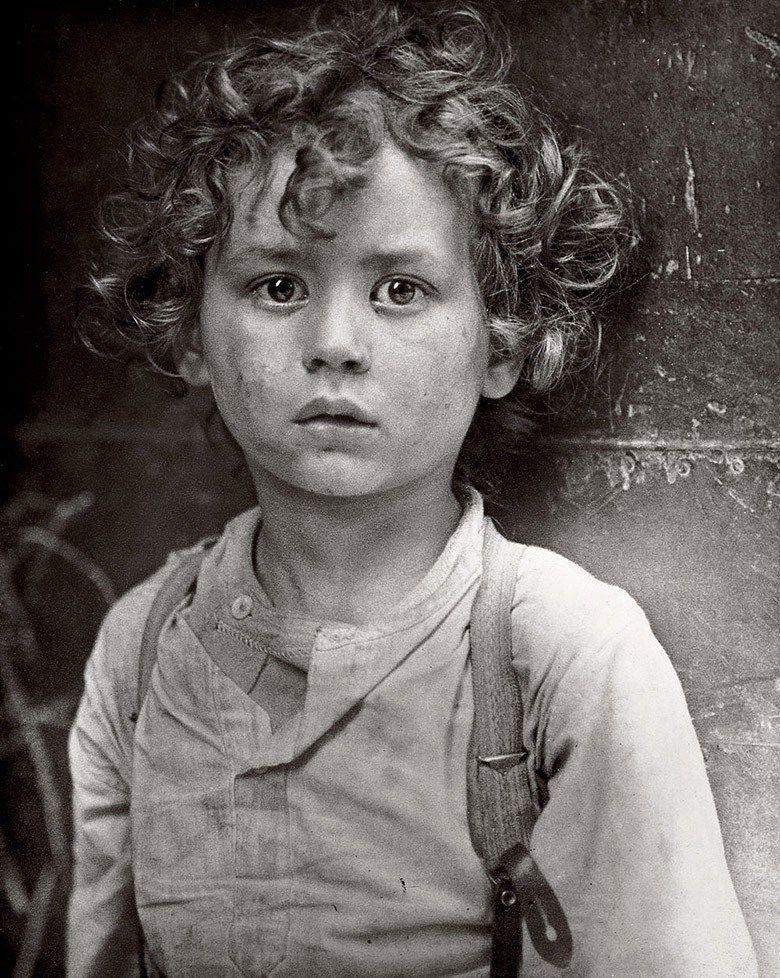 Bien connu Lewis Hine est sans doute le photographe américain le plus  AV57
