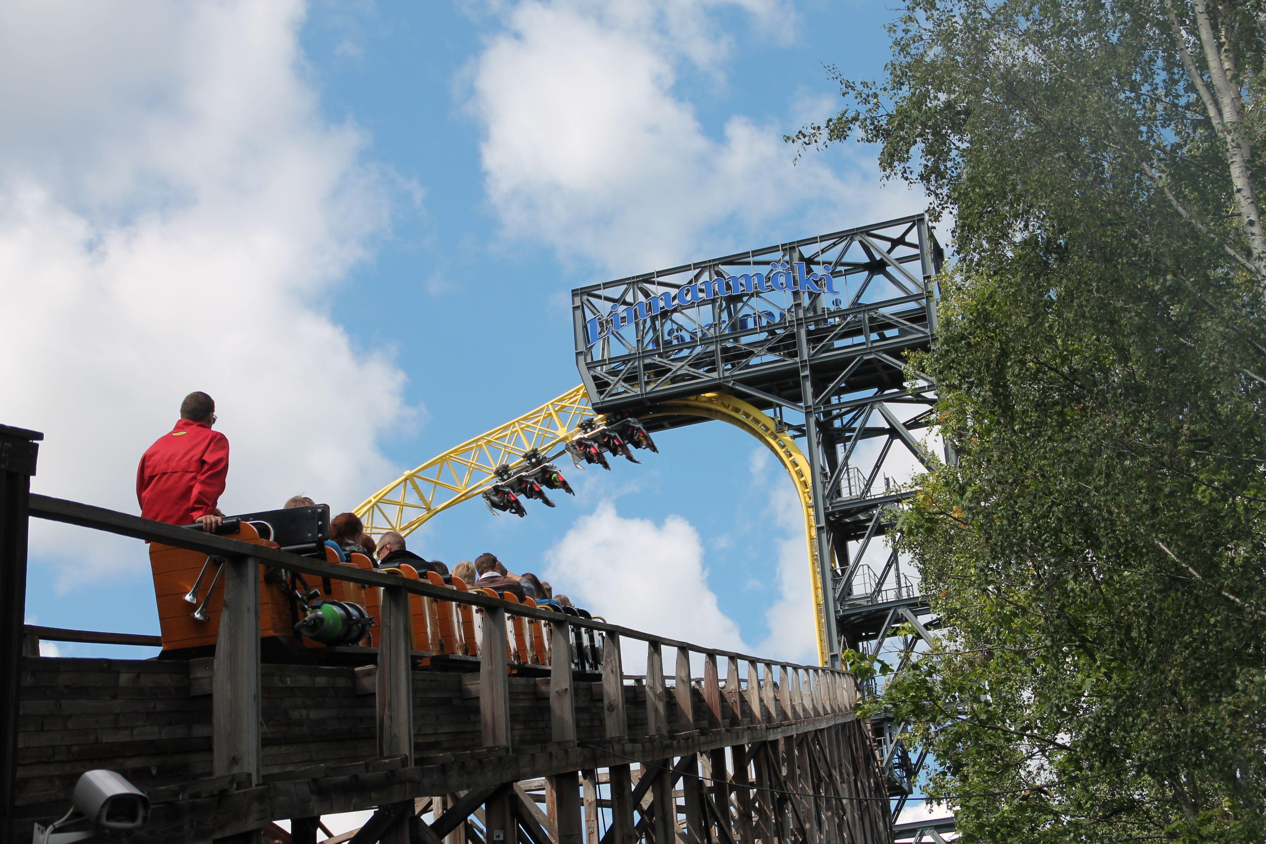Vuoristorata - Linnanmäki #finland #helsinki #linnanmaki #happy #fun #friends #visitfinland #huvipuisto #amusementpark #nojespark #laatuaikaa #hupi #hauskanpito #puisto #park #vuoristorata #rollercoaster