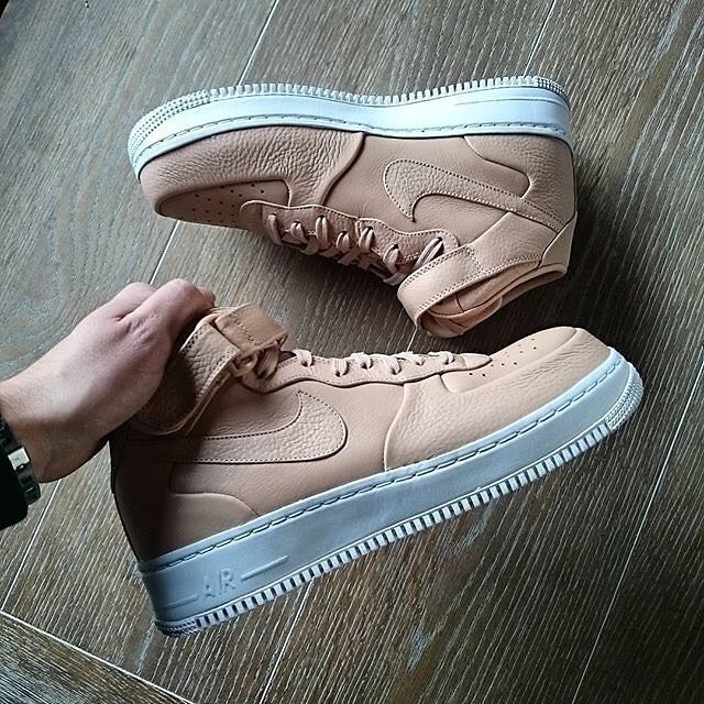 Another One ||  by @dbakkerbcb  _________________________________  #Nike #nikeair #airforce #airforce1 #one #1 #number1 #tan #beige #brown #color #sneaker #sneakers #kicks #sole #footwear #shoes #shoe #dope #fresh #awesome #amazing #nice #igers #igdaily #like4like #likeforfollow by blkvis