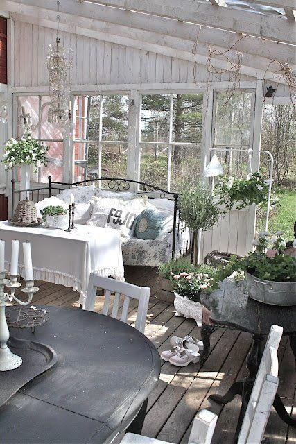30 idées pour aménager un porche ou une véranda en hiver ...