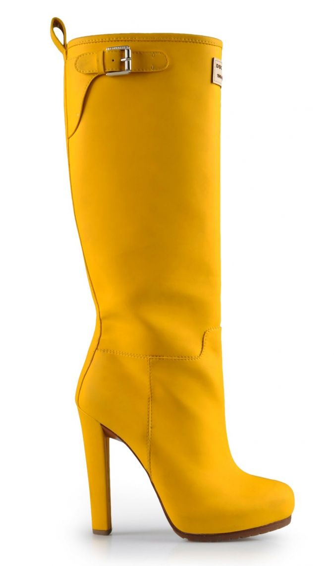 Dsquared2 yellow boots wow made for walkin 39 pinterest for Schuhschrank yellow