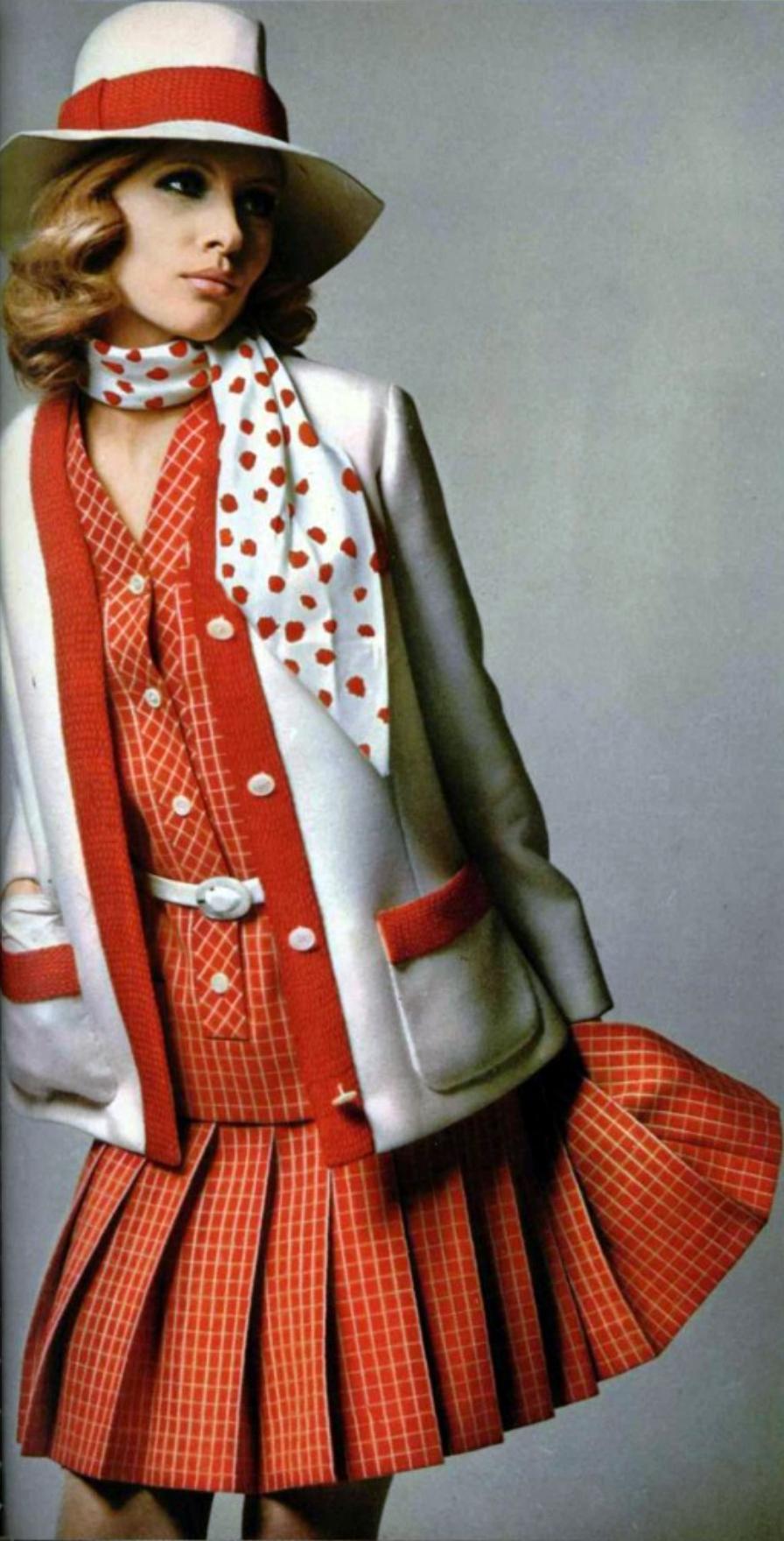 Christian Dior L'Officiel de la Mode 1968 Haute couture