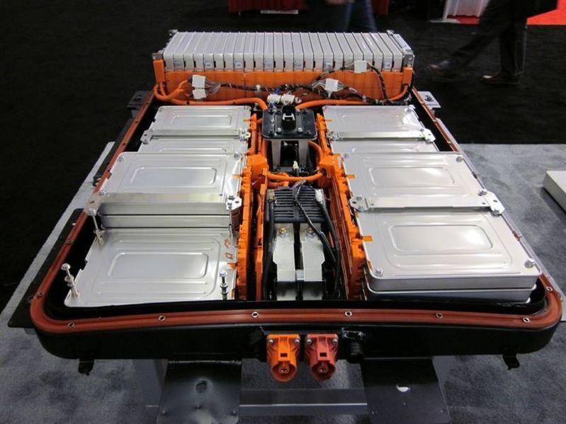 Tesla Model S Battery Vs Nissan Leaf Battery Vs Chevy Volt Battery Chevy Volt Nissan Leaf Big Battery