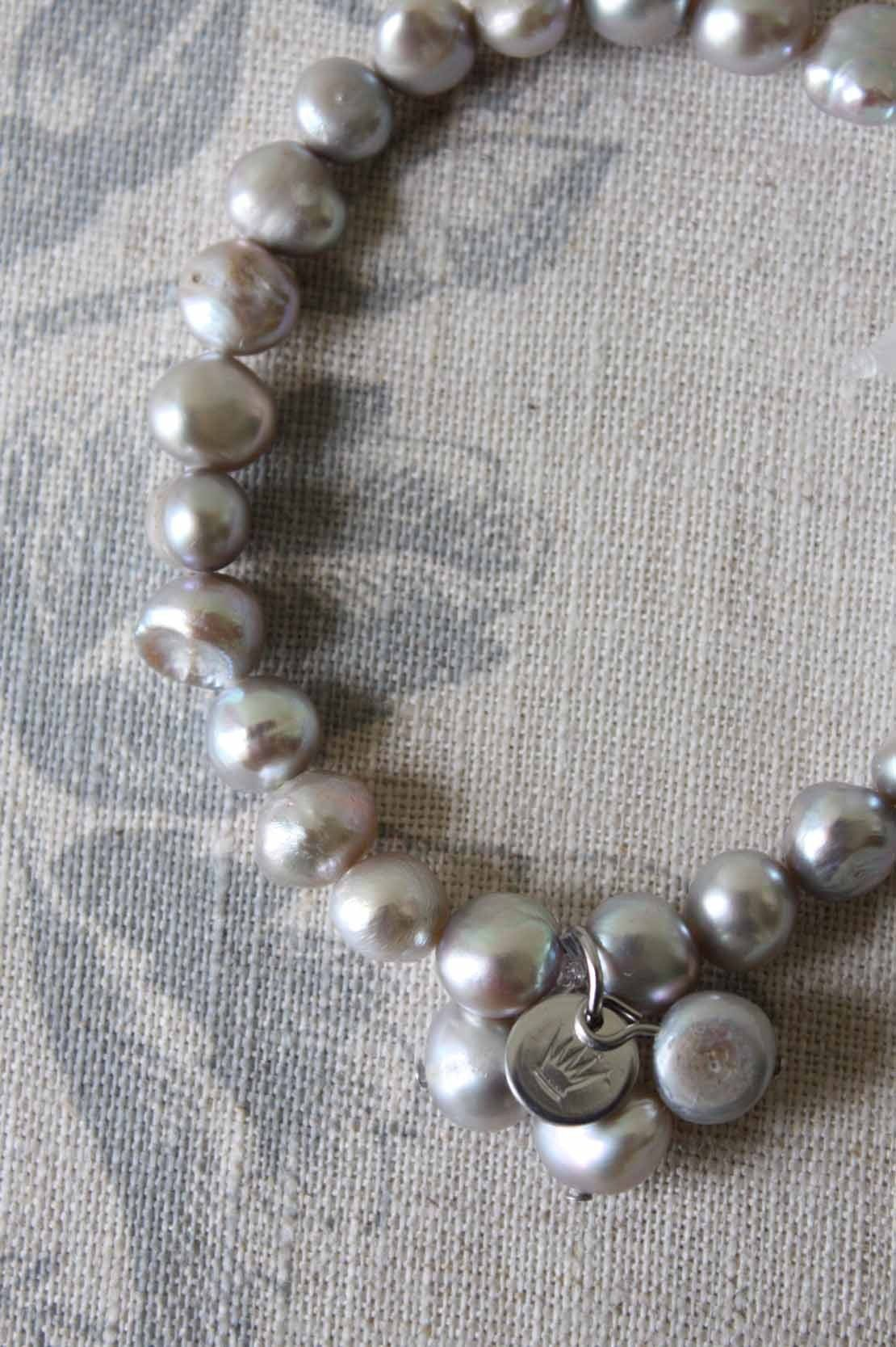 would really like this as it matches a grey pearl necklace I have and its the cheapest grey pearl bracelet I have found