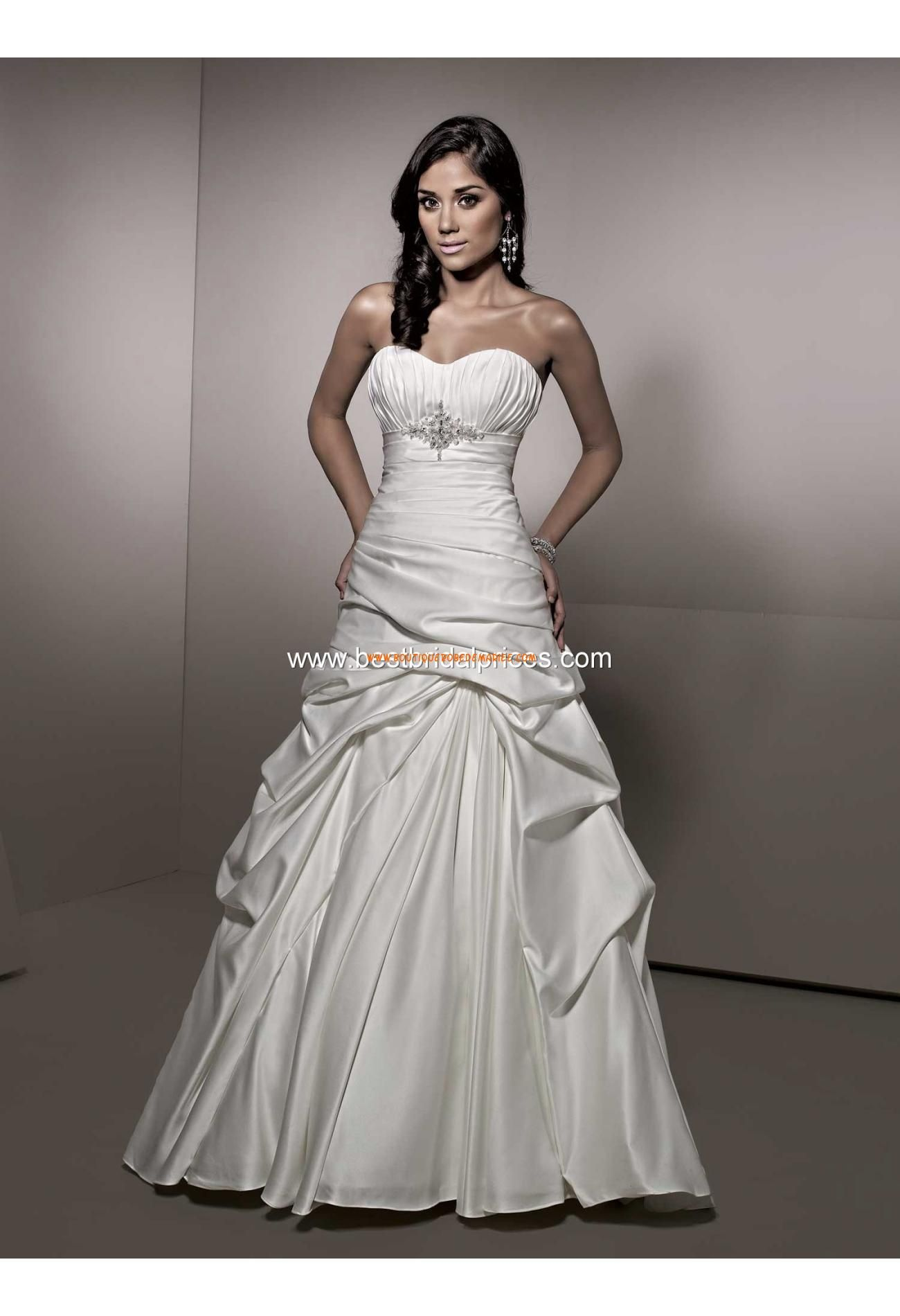 Robe de mariée originale satin col coeur taille empire wedding