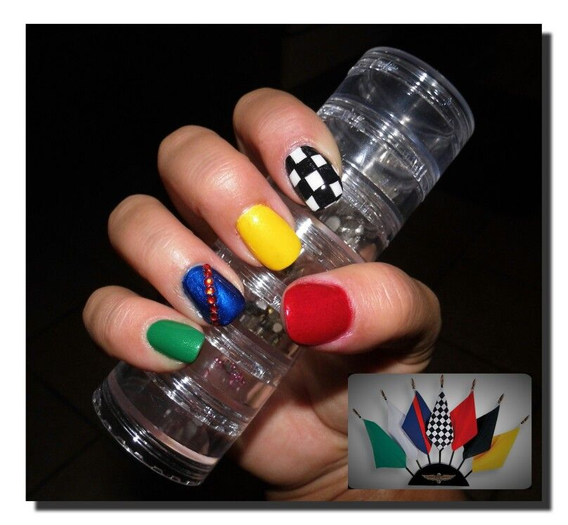 Indy 500 Race Flag Nails! {Except the red stripe should be a yellow ...