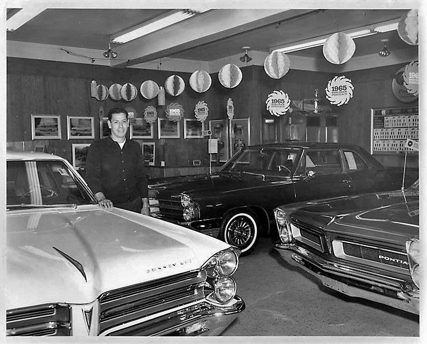1965 Pontiac Dealership Showroom Old Used Cars Pontiac Cars
