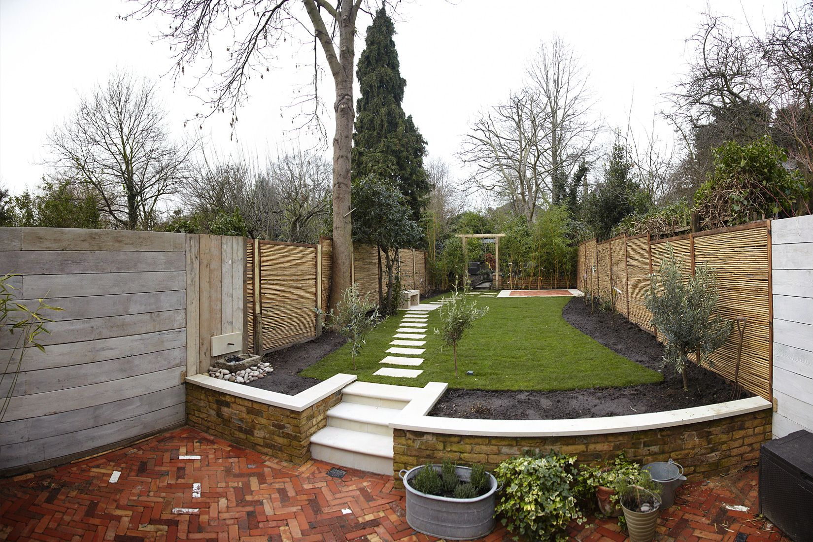 Split level garden | Small garden design, Sloped garden ... on Split Level Backyard Ideas id=13758