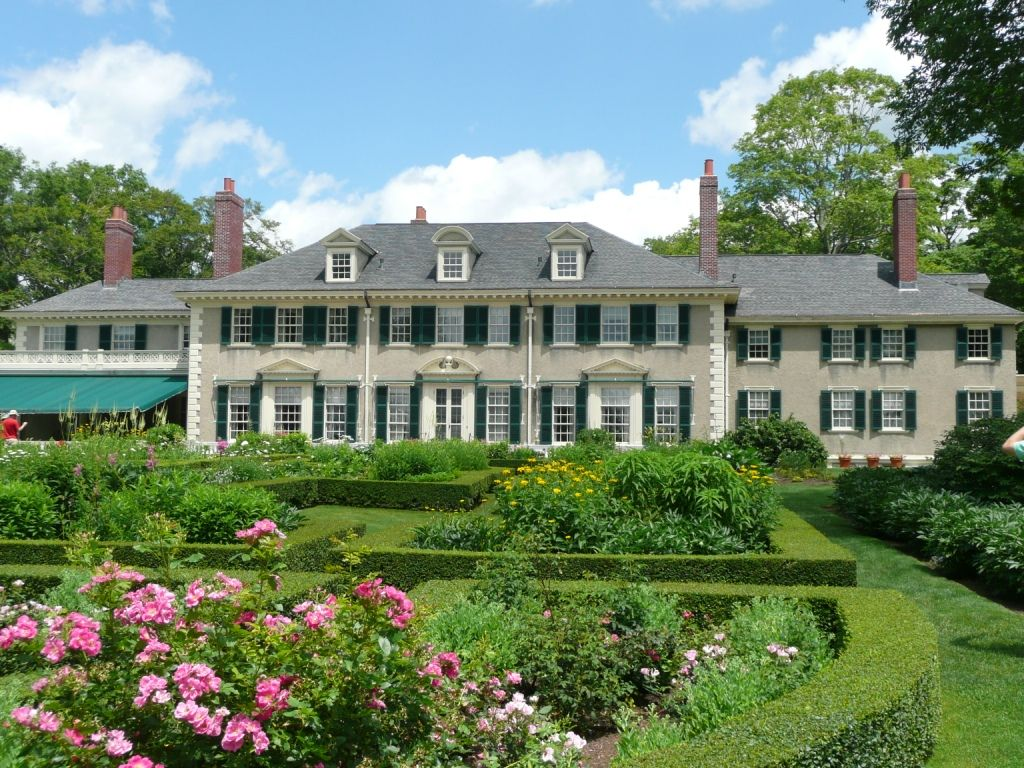 An Unexpected Lincoln House House Styles New England States House