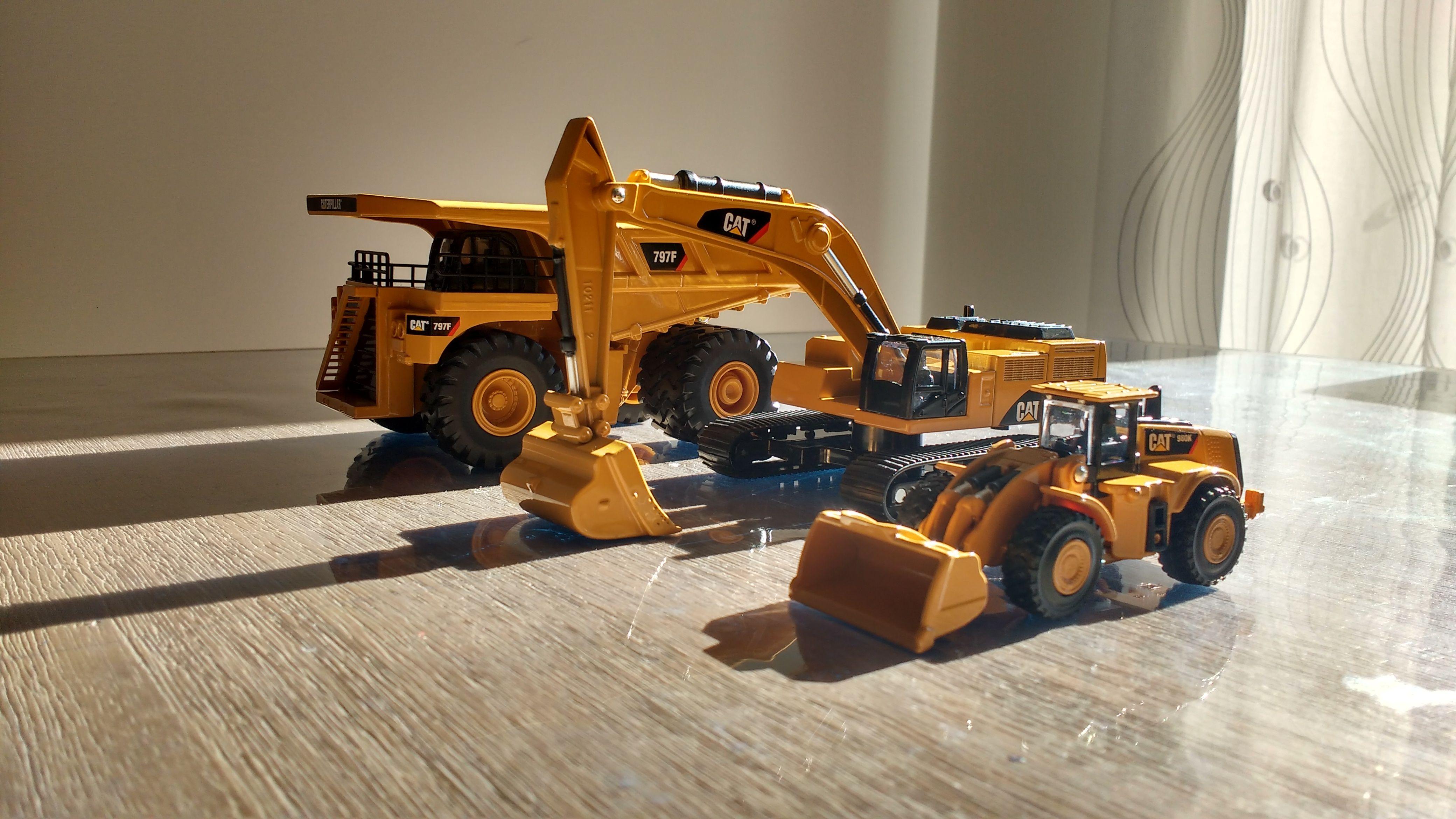 #797F #980K #390D #CAT #Caterpiller #Diecastmodels #CATModels #Construction #Mining #dumptruck #Frontloader #Excavator
