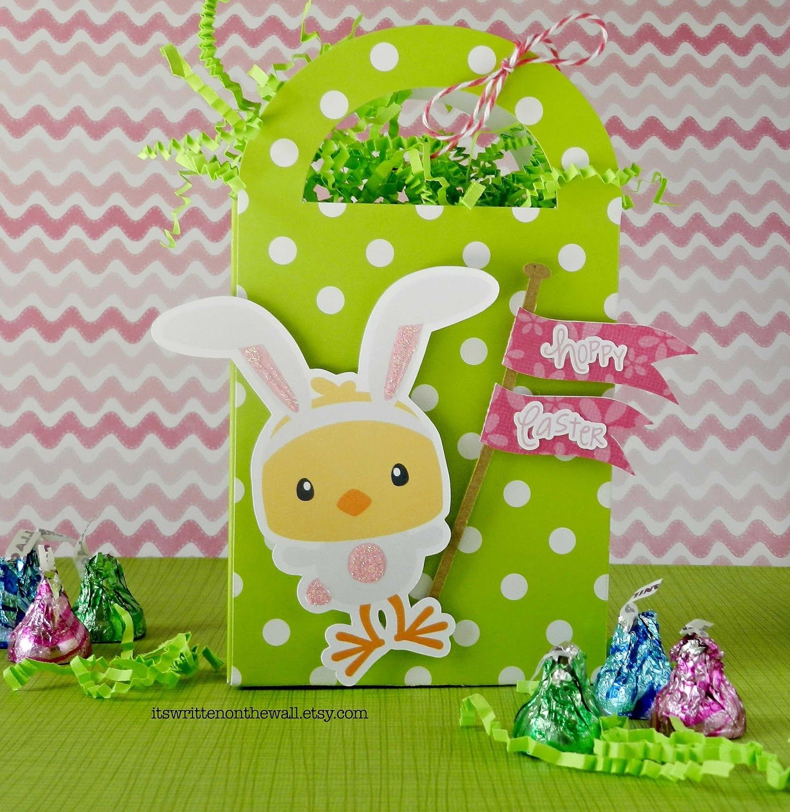 Its a cute easter gift box perfect for small things like gift its a cute easter gift box perfect for small things like gift cards candy negle Images
