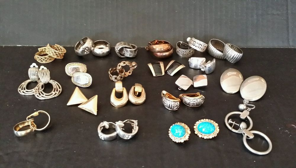 Huge lot 20 pairs clip on screw back earrings good resell resale mixed retro mod