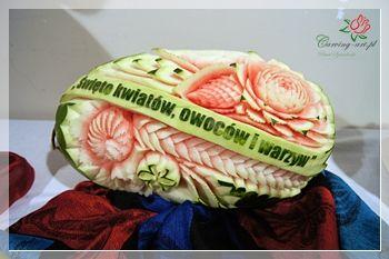 Pawel Sztenderski Carvingowe Dekoracje Z Owocow I Warzyw Www Carving Art Pl Carving Watermelon Fruit